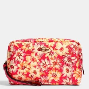 Coach Boxy Cosmetic Case With Vintage Daisy Print